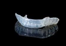 Unsichtbare Zahnspangen